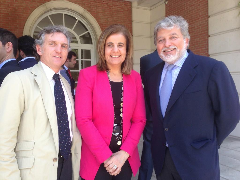 Junto con la Ministra Fátima Báñez y Alberto Delgado